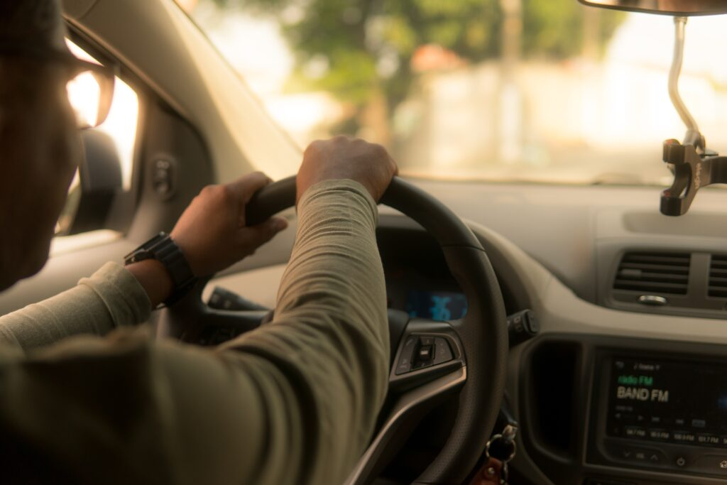 Drivers of rideshare apps confirmed as independent contractors