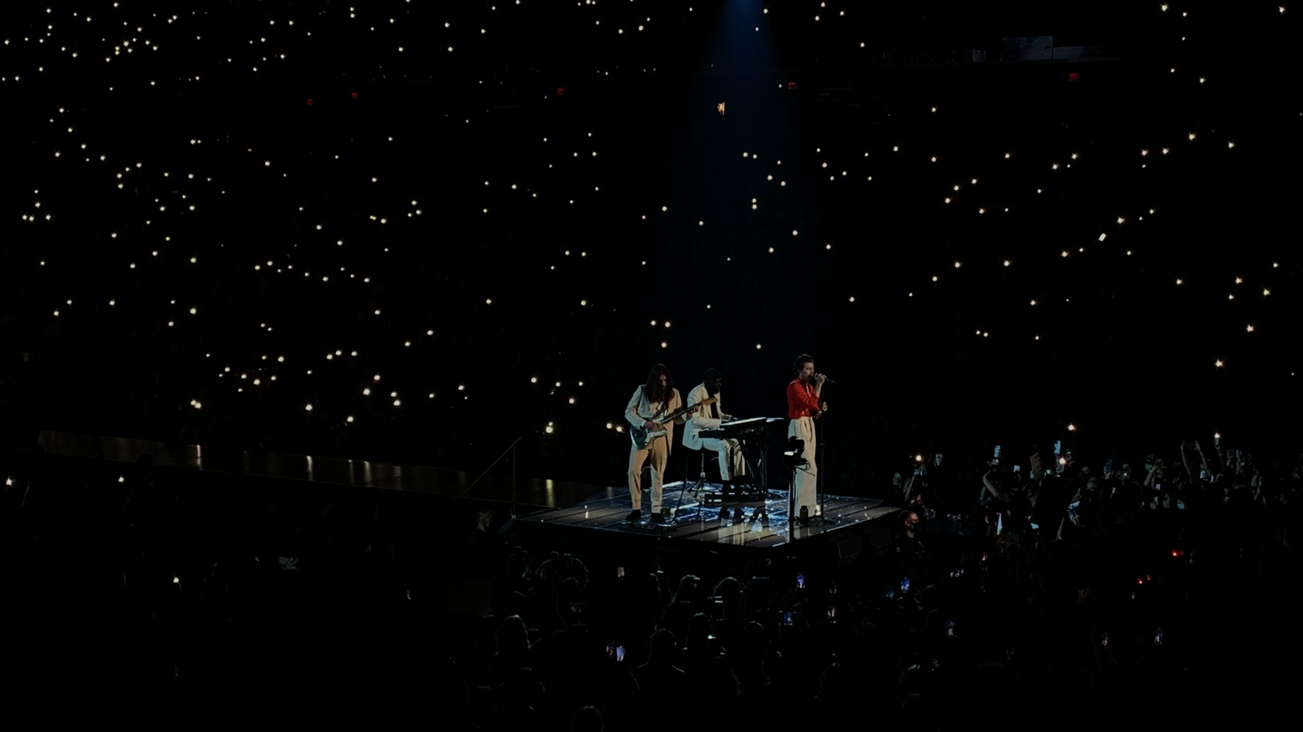 Harry Styles performing in Sunrise, FL for Love On Tour